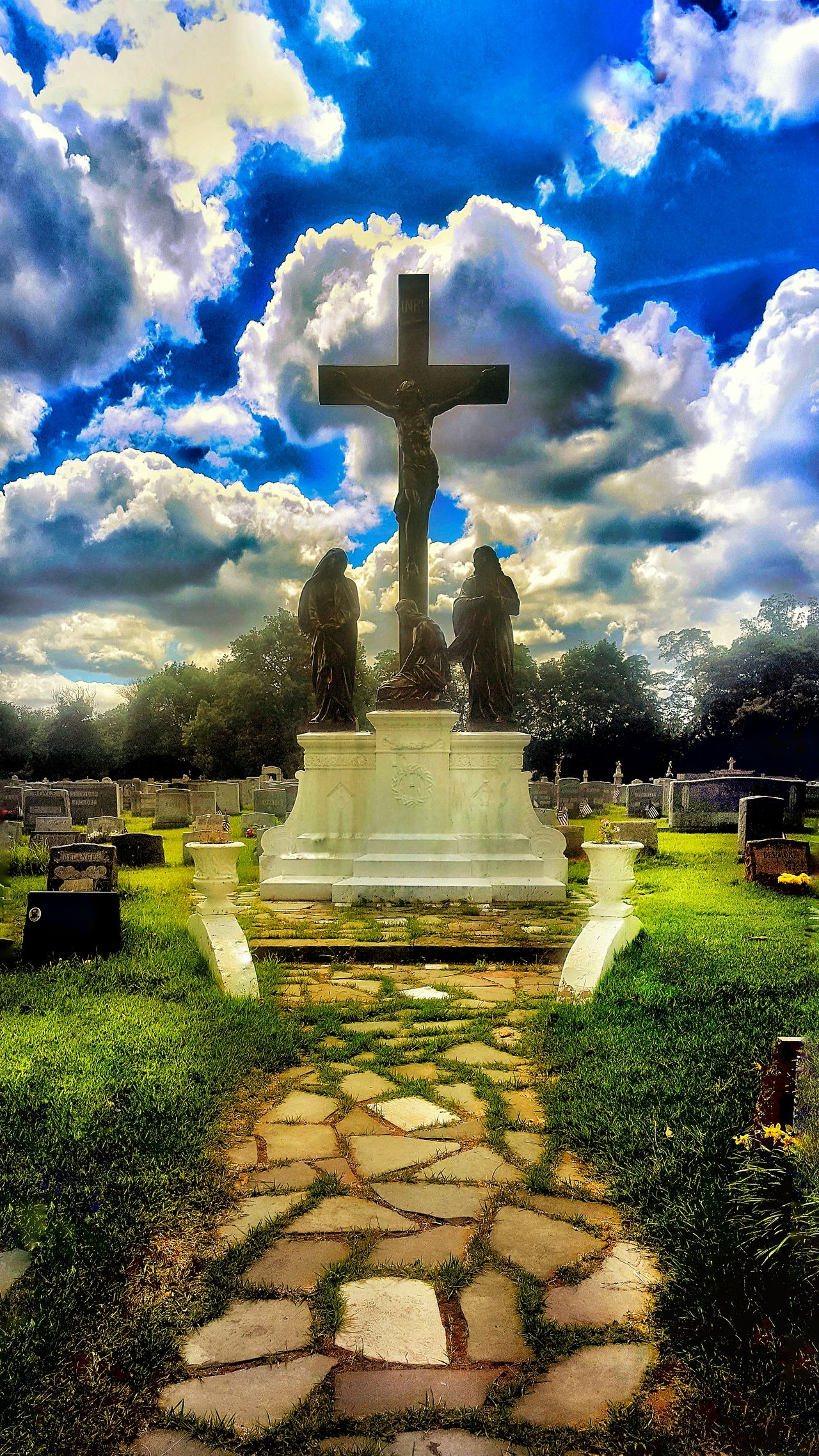 Trippy Dreaming Jesus Christ Cross Cemetery_shots Cruxifix Crucifixion Cemetery Photography Statue Cemetery