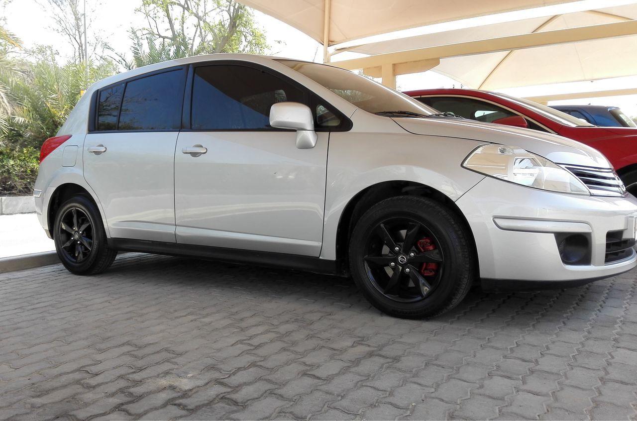 Bahrain Black Car Juffair Manama Nissan Outdoors Silver  Tiida Transportation Tyre Versa