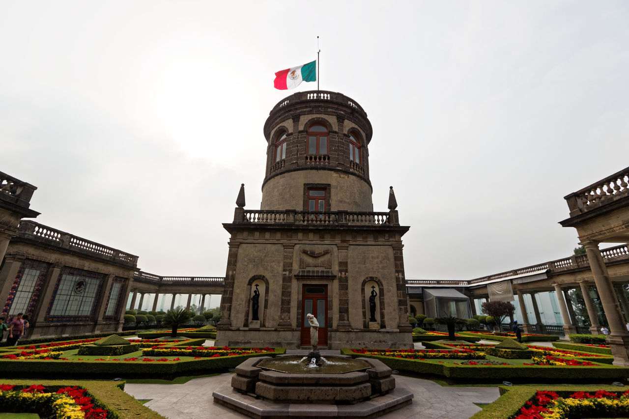 Alcázar de Chapultepec Alcazar Architecture Building Exterior Built Structure Capital Cities  Chapultepec Chapultepec Castle City Life Ciudad De Las Artes Y Las Ciencias Historical Building Historical Monuments Low Angle View Mexico City Travel Destinations Miles Away
