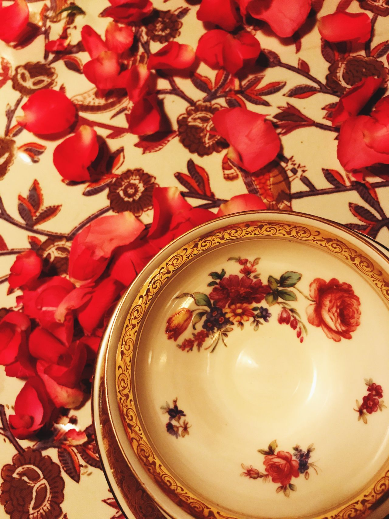 Rose tea Flower Petal Plate No People Indoors  Table Close-up High Angle View Celebration Food Leaf Freshness Fragility Nature Beauty In Nature Day Flower Head Ready-to-eat Rosé Rosetea Tea