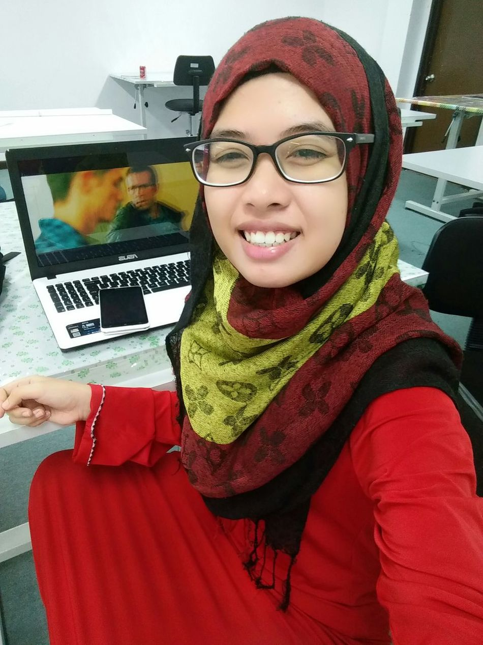 Assalamualaikum Good Morning That's Me Taking Photos Selfie ✌ Red Color My Favorite Color Happygirl Relaxing Lappyselfie