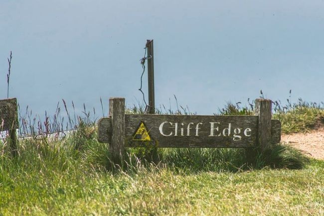 Cliffside CliffEdge Beachy Head Beachyhead England🇬🇧
