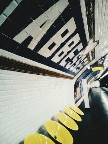 Abbesses Paris Jus T'aime! ;)  Paris Metro Paris, France  Parisphoto Parisweloveyou Parisian Cliché Pariscartepostale Paris ❤ Parismonamour Metro Station ParisMetro Paris Je T Aime Parisjetaime Parisian Paris Paris.fr ParisianLifestyle Monmartre