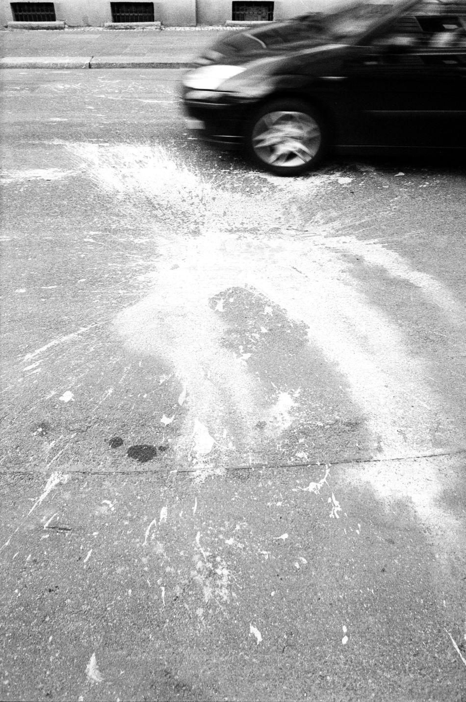 Location: Konsulstraße Canon AE-1 P   APX 100 -> 200   D-76 AgfaPhoto APX 100 (new) Black And White Blackandwhite Canon AE-1 EyeEm Best Shots - Black + White Kodak D-76 Monochrome Street