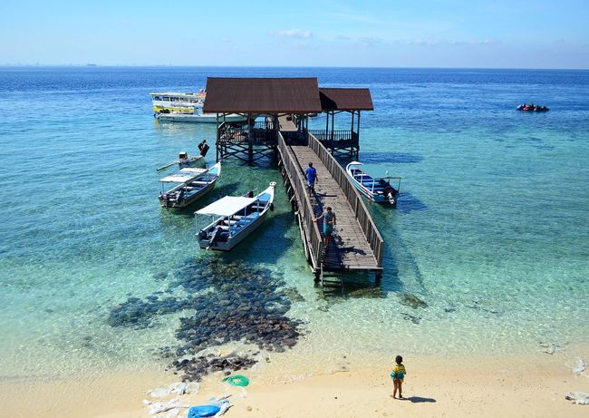 The beautiful Kodengaring Keke Island which is off Makassar in South Sulawesi, Indonesia. It is only 30 minutes by boat from the maincity harbor too. Landscape_Collection Photooftheday Taking Photos Photography Landscape_lovers Island Forsale Islandphotography Stockphotography Stockphoto Beach INDONESIA Wonderfulindonesia Tripofwonders Makassar Sulawesi Travel Travelphotography Travelling Travelblogger Travelblog #nature #landscapephotography #rockybeach #sea #naturephotography #naturelovers #landart #landscape #landscape_lovers #travelblogger #seascape #hawaii #ocean #livingthisworld #rockfigure #beach #beautiful #cute #iphoneonly #love #summer #all_sh