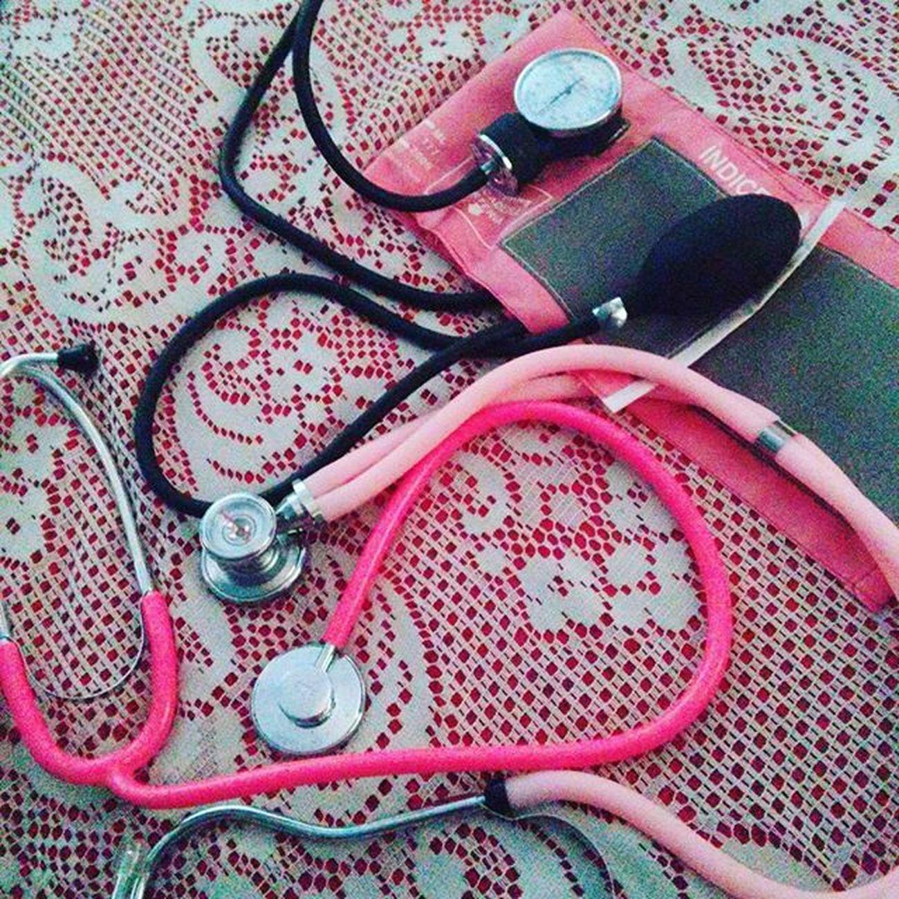 Acho que eu gosto um pouco de rosa! Esfigmomanômetro Rosa Estetoscopio