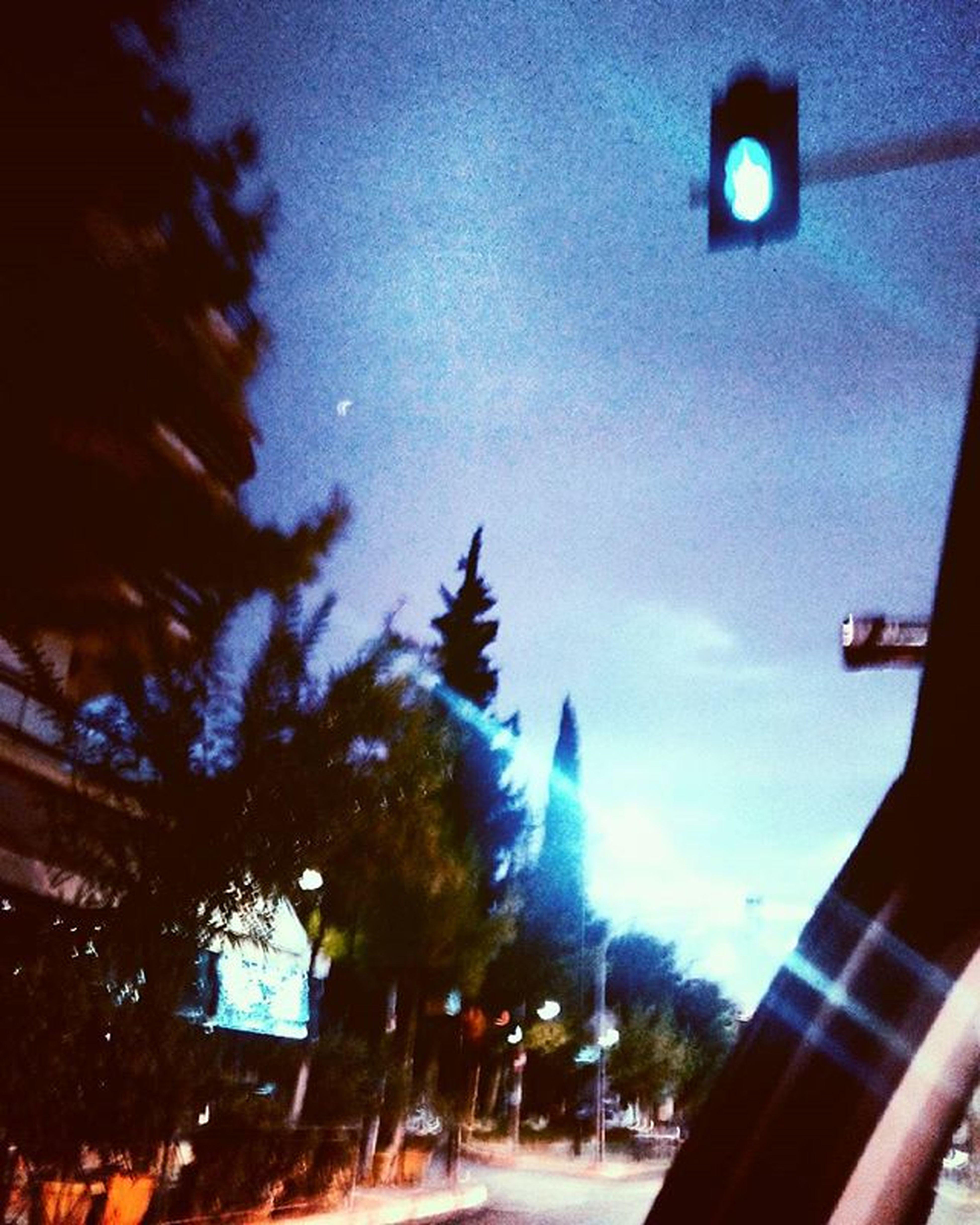 ➰🔷Blue mornings.🌙🌓 Gmorningworld Tuesdaymorning Lights Sky Blue Myviewrightnow Trafficlight Car NeedCoffee Sodesperately Amywhinehouse BackToBlack Mysoundtrack Headphones Lovethesoul Asamysaid Dream Live Fight Staystrong