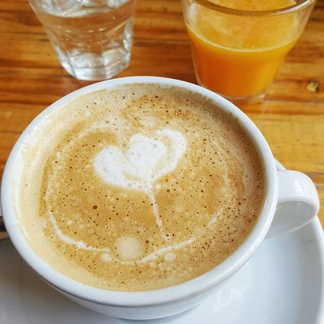 Hola Lunes para nada Blue Coffee 💖 Cofeetime Working Bluemonday Antidote Mondaymorning MondayMotivation Likeforlike Givememycoffee ☕☺