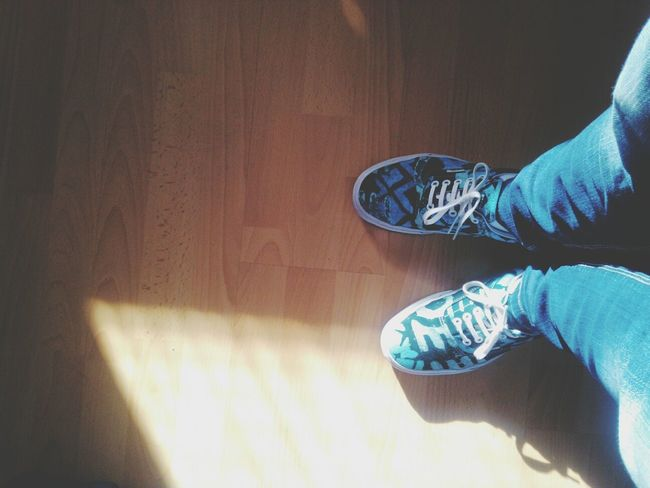 sunny day Vans Della Shoes Girl