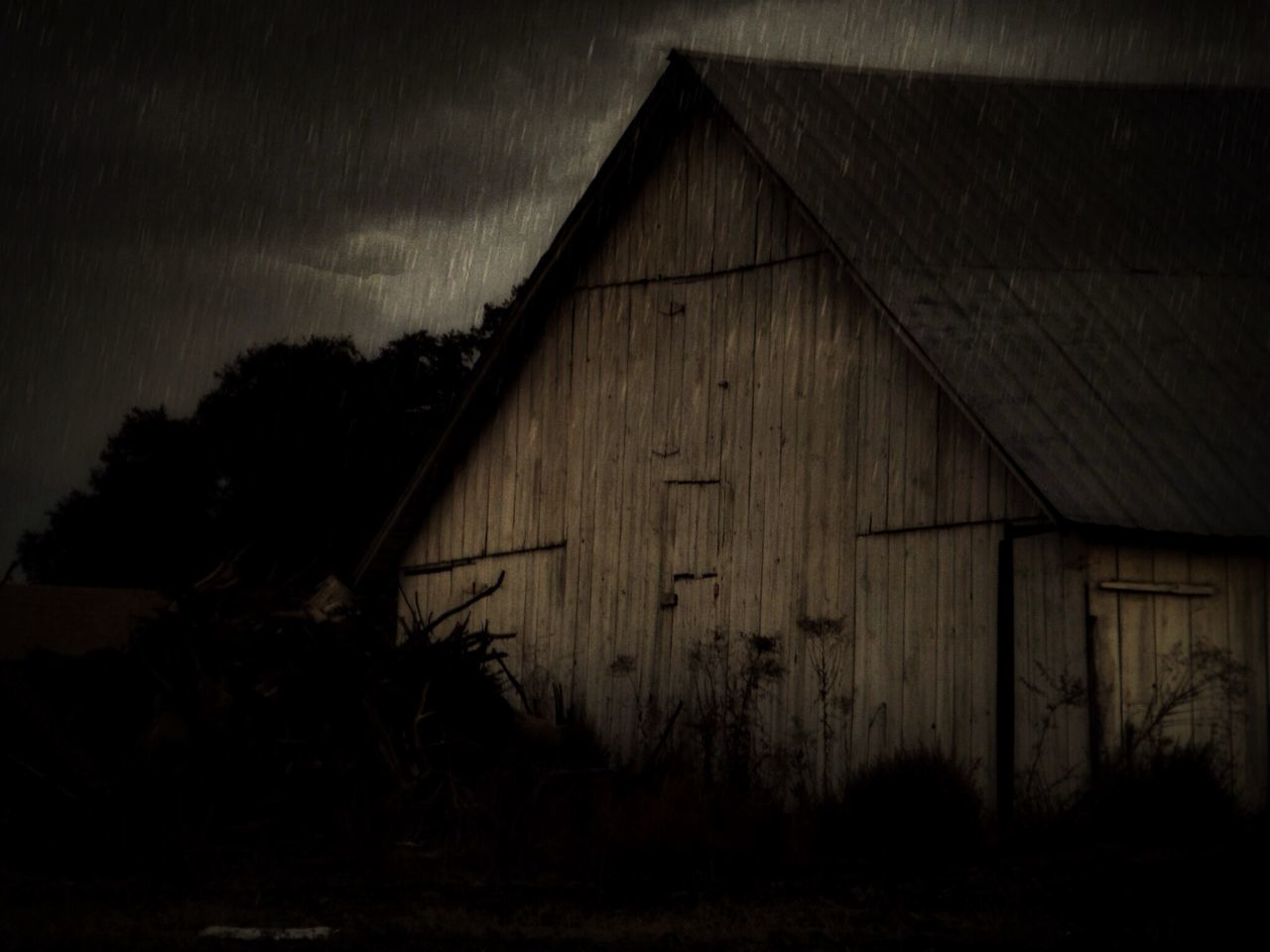 built structure, architecture, building exterior, no people, barn, outdoors, day, sky, tree, nature