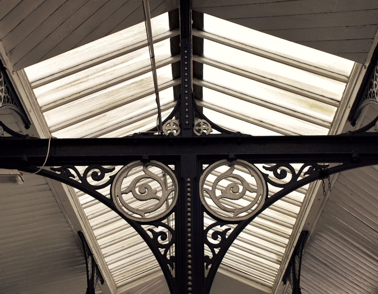 pattern, built structure, design, architecture, metal, window, close-up, no people, indoors, day, architectural design