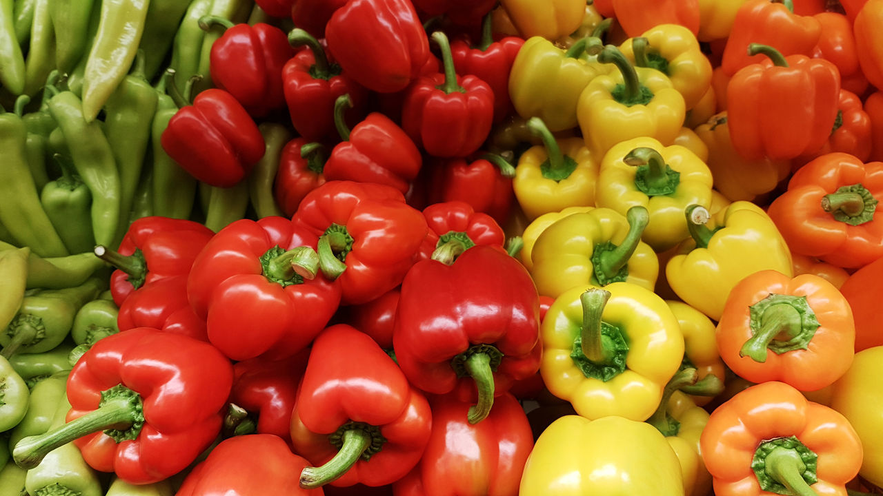Close-up Colorful Food Food And Drink Freshness Full Frame Healthy Eating Market No People Orange Peppers Red Vegetable Yellow