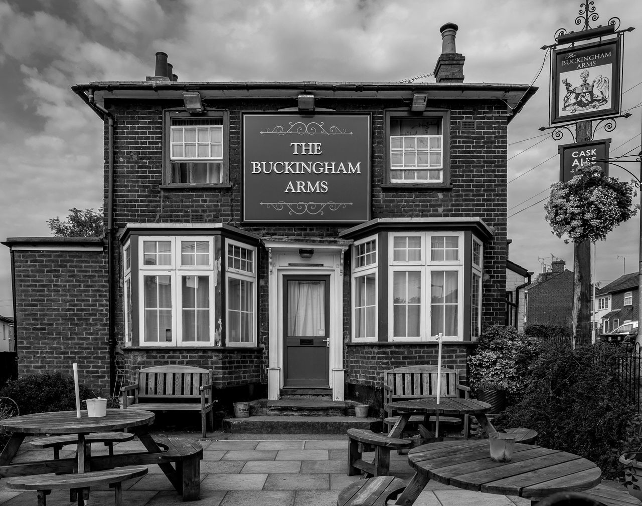 The Buckingham Arms, Old Road, Linslade, Bedfordshire Architecture Fujfilmxt10 Monochrome Photography Black And White Monochrome Urban Bedfordshire Conservation Area Linslade Leighton Buzzard Bedfordshire Pubs Pubs