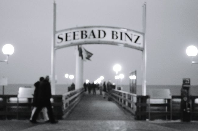 Ostsee Rügen Ostseebad Binz Seebrücke Schwarz & Weiß Black And White Monochrome Landscape Stadthafen Night Lights Lights Laternen People Mood Captures Strand Beach Travel Destinations Taking Photos Traveling Travel Is My Passion Eye4photography  Eyeem Photography Sea View Travel Photography Strandspaziergang