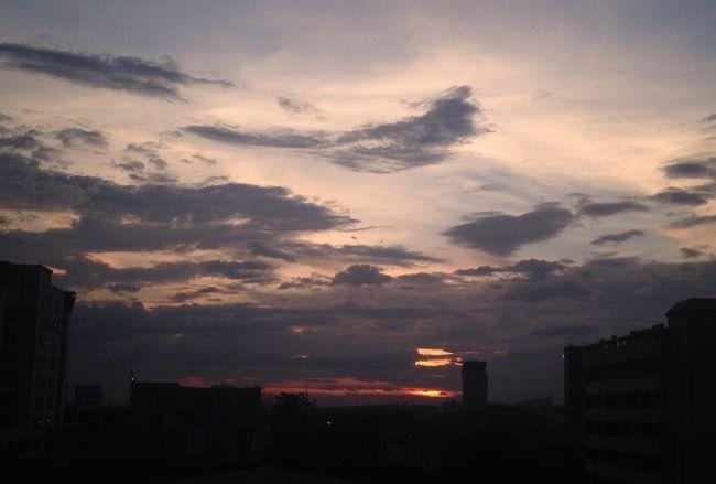 ชีวิตวนลูป Sunset Sky Cloud Outdoors Rain Sky Collector1 KU BKK Thailand Life Loop