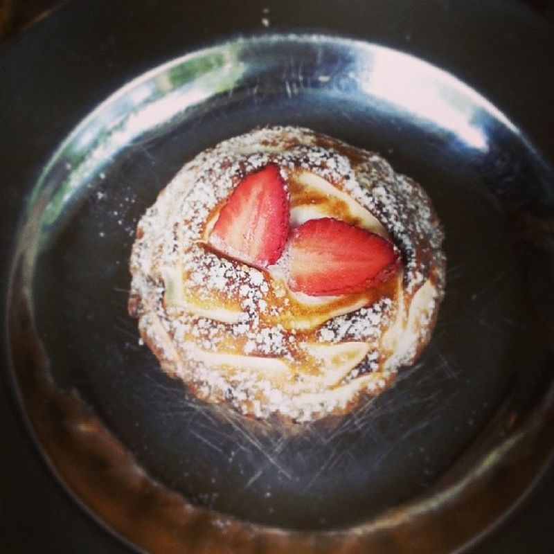 Craving this Strawberry Meringue Tart from Bourke Street Bakery. Craving Deliveryplease