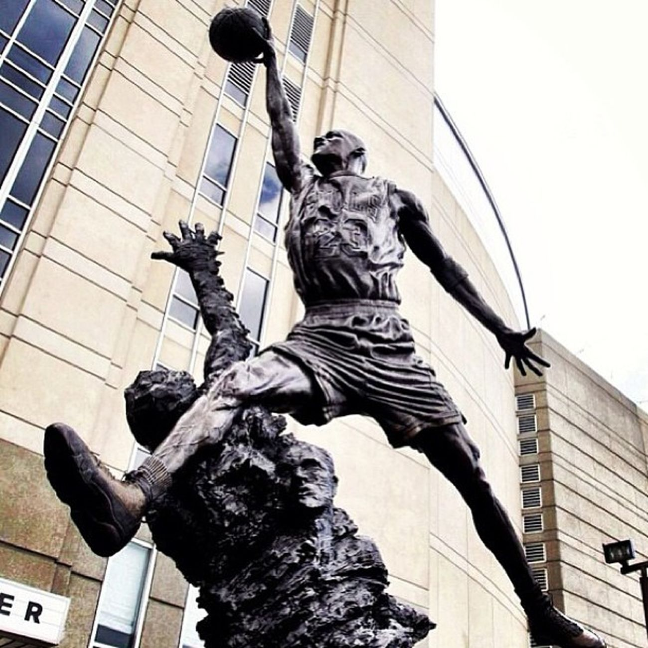 THE GREATNESS!!! Mj Jordan Jordanstatue Michaeljordan greatness dayoftheflight