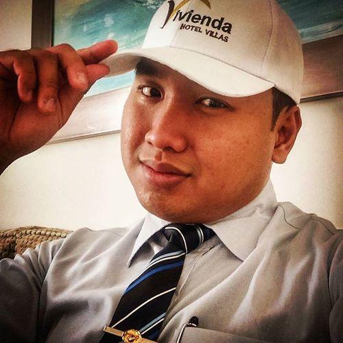Try ko nga tong Bagong Cap provided ng hotel kung bagay sakin Echos Hoteloperations Microsfidelio