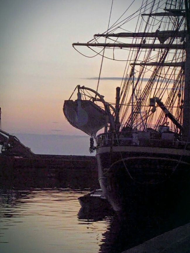 Goodnight my lovely friends 😴 Feeling Thankful for all your so beautiful support 😉 ❤ Hello World EyeEm Best Shots Hundested Harbour Geo Stage .. Denmark Open Edit Capture The Moment Ladyphotographerofthemonth Sunset Lovers Sailing Ship Light And Shadow Sunset_collection