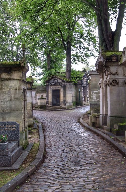 Cimetary Cimetière Du Père Lachaise Paris, France  Photography Culture EyeEm Ville Lumière EyeEm Gallery Paris Photographer