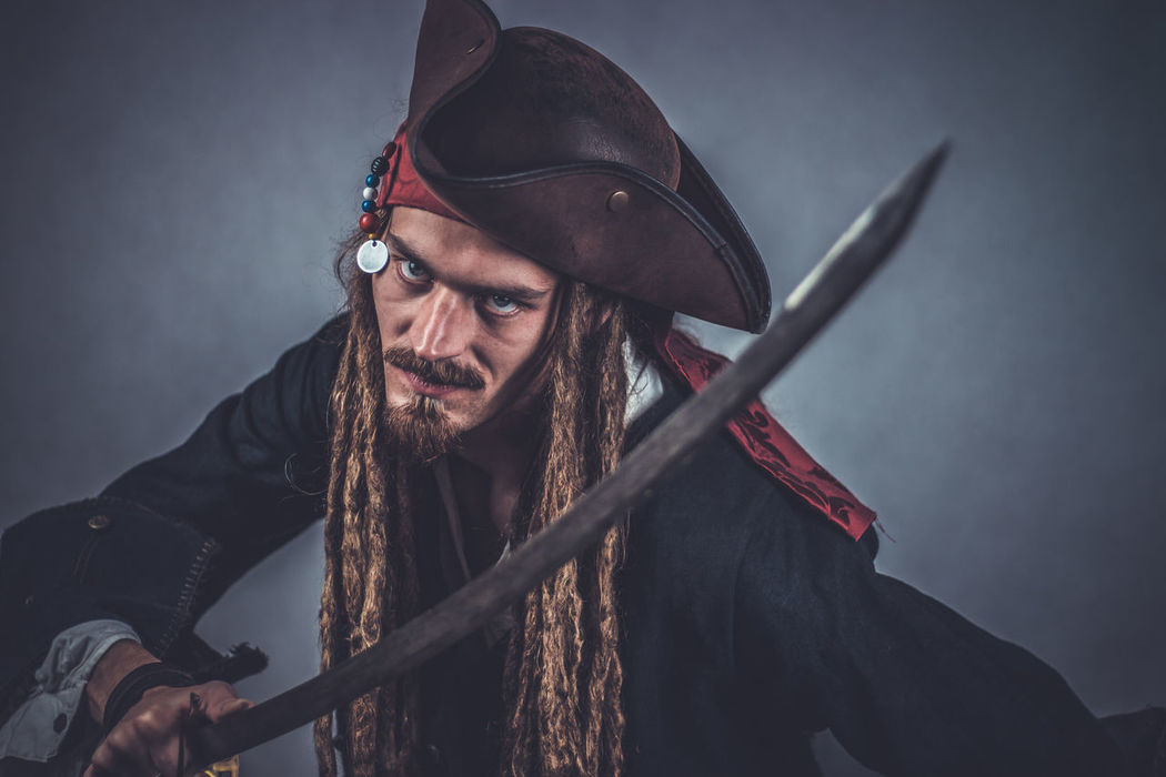 Don't mess with the captain Buccaneer Cosplay Funny Halloween Knife Pirate Pirates Pirates Of The Caribbean RASTA Bad Costume Criminal Danger Dangerous Dreadhead Dreadlocks Dreads Mad One Person Portrait Real People Sword Thief Weapon Young Adult