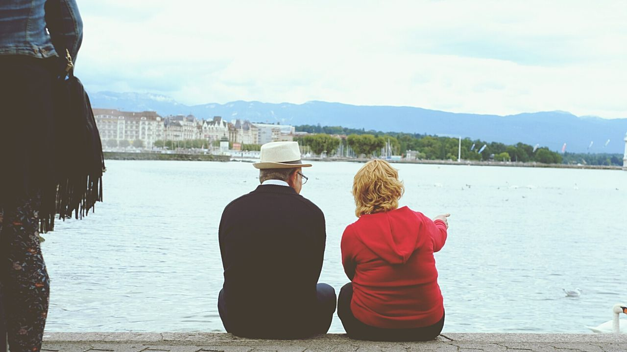 Date Elderly Couple Red Lake Leman Repicture Sharing at Geneve , Switzerland
