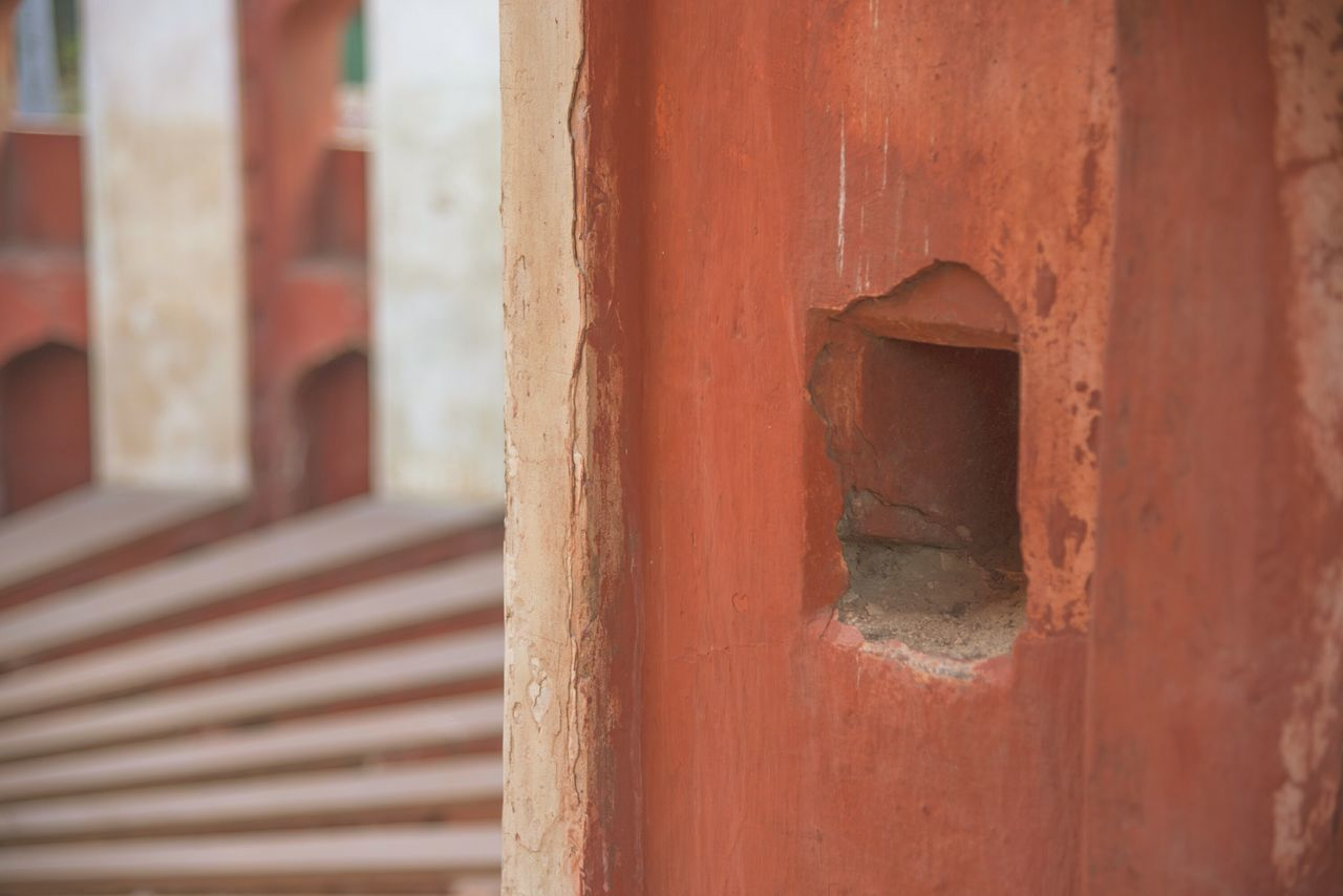 Outdoors Close-up Day Building Exterior Built Structure Architecture Millennial Pink Colorsplash Abstract Low Section Brick Wall India New Delhi Historical Monuments Architecture Shadows & Lights Light And Shadow Pattern Lines And Shapes Shapes Shapes And Lines Design