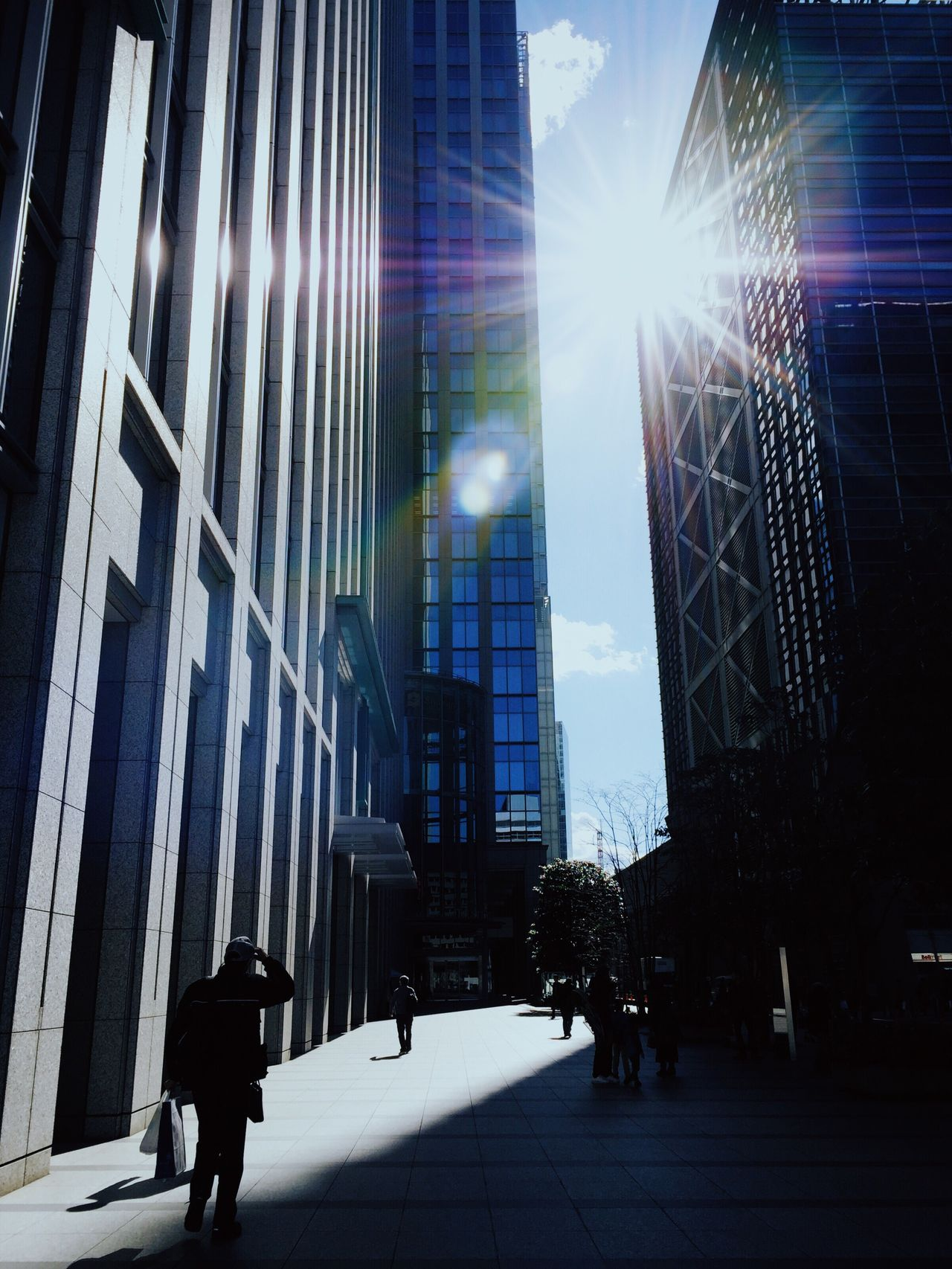 Architecture Built Structure Real People Building Exterior City Sunlight Sky Light And Shadow City Life Eyem Best Shots VSCO Mobilephotography Japan