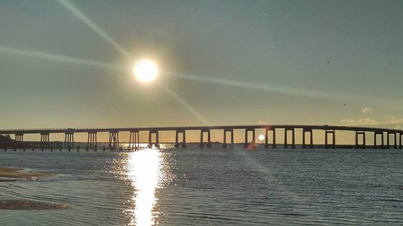 Good morning LoveFl Emeraldcoast Emeraldcoasting NavarrebeachBridge HDR Sunrays Sunrise HTCOneM9 Htconelife Oneography 20 .7mp @htc @HTCUSA @HTC_UK @HTCelevate @HTCMEA @HTC_IN @HTCIreland @HTCCanada @HTCMalaysia @htcsouthasia @htcfrance TeamHTC @sharealittlesunshine @pureflorida Beachlife Reflection