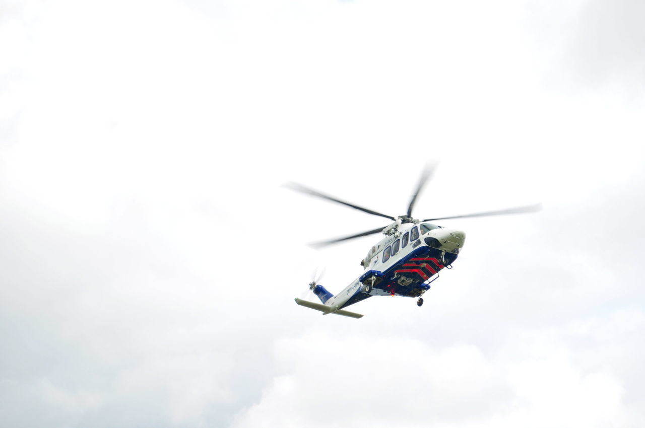 Air Vehicle Cloud - Sky Flying Flying High Freedom Helicopter Mid-air Mode Of Transport No People Sky