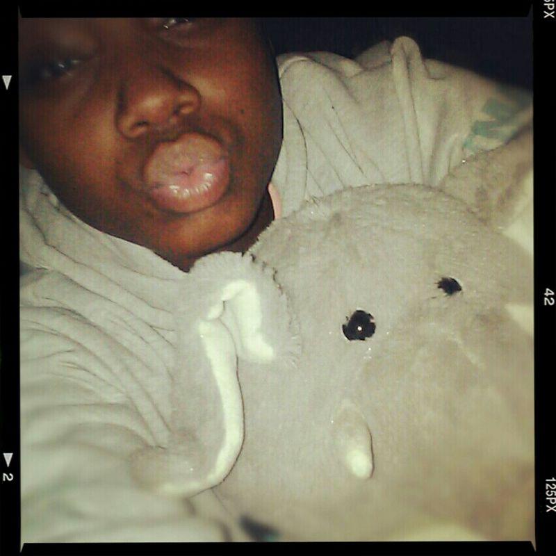 Me & ele:) Chillen:)