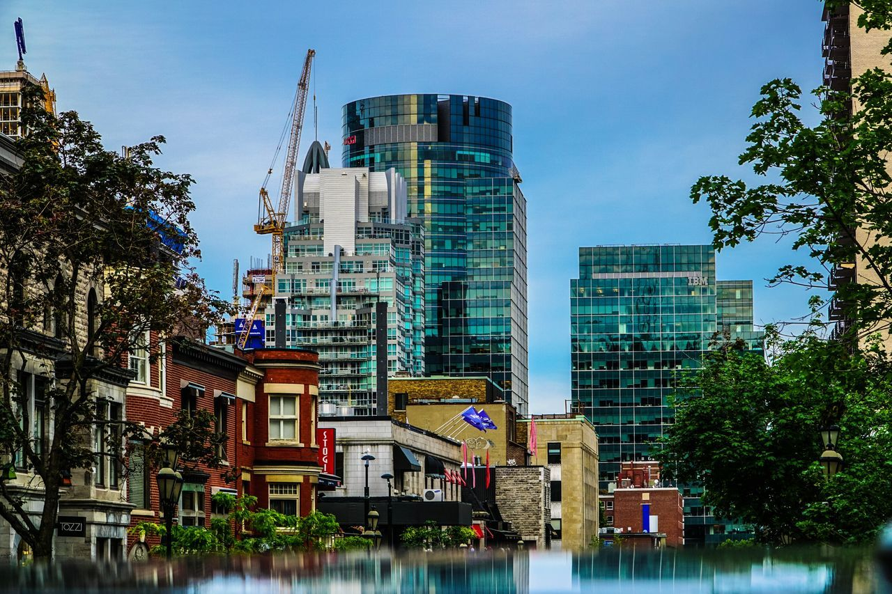 Montréal aka Work In Progress Downtown Buldings Sony A6000 18-105mm Architecture Eye4reflections Old And New The Architect - 2015 EyeEm Awards