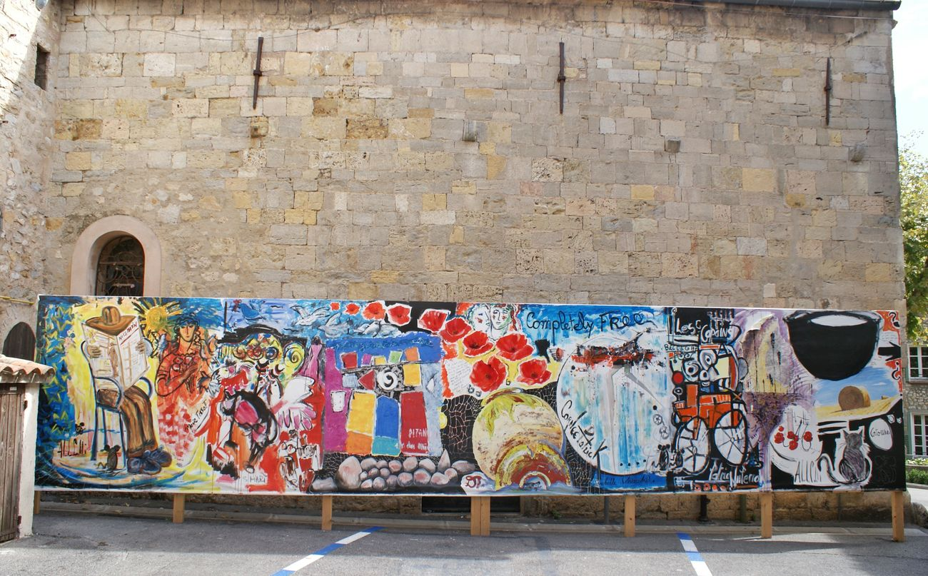 Found this Picture I took in a small village in France, love the contrastArt Modern Art Gallery The Great Outdoors - 2016 EyeEm Awards Painting Paintings PaintingStyle Church Stone Wall Contrast France Cote D'azure Colors Colorful Picture Abstract Art The Architect - 2016 EyeEm Awards The Street Photographer - 2016 EyeEm Awards Cathedral Grafitti Old Wall Camera: EOS 500D, Kit