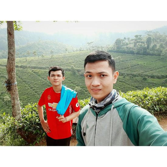 Latepost 🤘🖖🍃 Two People Portrait Looking At Camera Men Smiling People Leisure Activity Happiness Rural Scene Summer Real People Nature Photography Tagsforlikes Headshot Cheese! Finally Taken Standing Photoshoot Friendship Check This Out My Friendshipgoals