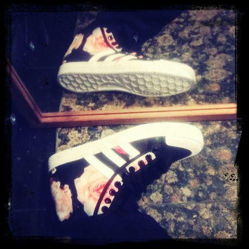 第一次買花的鞋子。這款我很喜歡