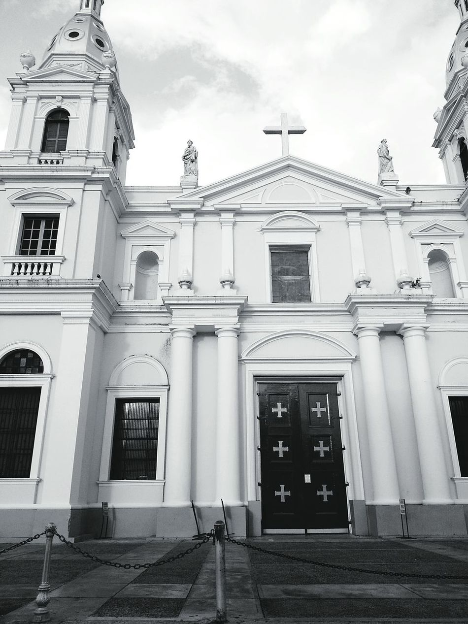 Catholic Church Structures And Architecture Vintage Church ⛪ Travelphotography Black And White Photography