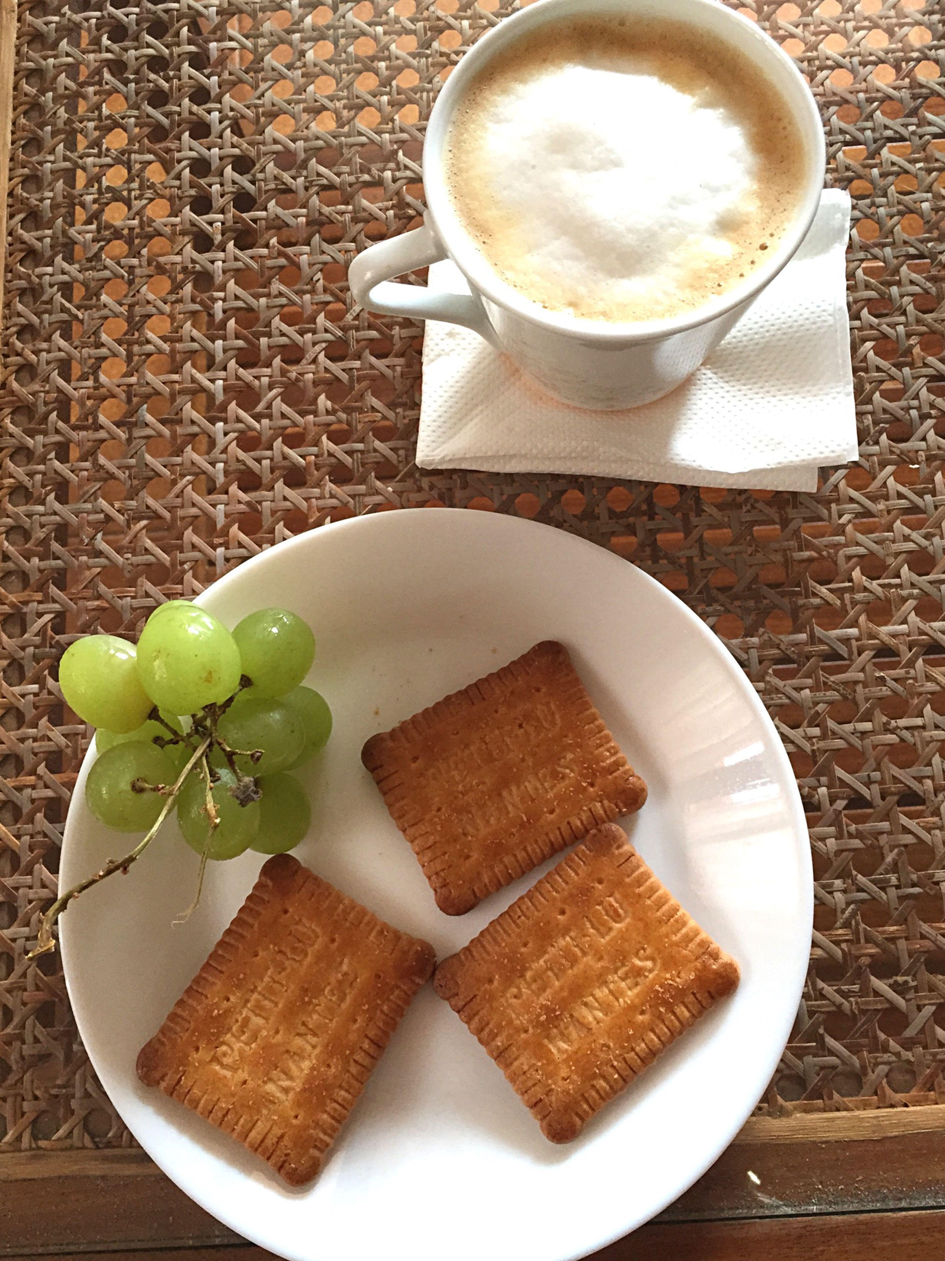 Petite pause gouter ? ☕️? Miam Petitlu Cafe Nespresso Time