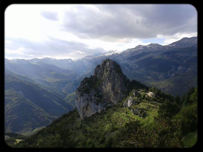 Enjoying Life Pirineos