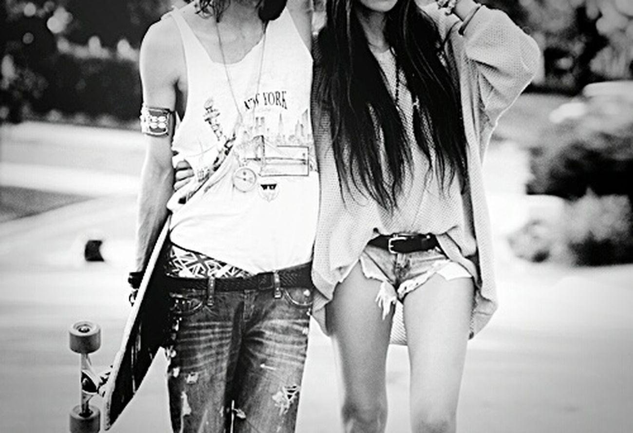 Streetlove Skateboarding Girlandboy Skateboard Blackandwhite Skatelovers Black&white SkateboardLifeStyle Skateboarders