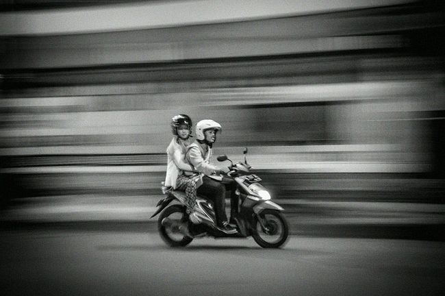 learning panning photography Shootermag Getting Inspired Blackandwhite Black And White Streetphotography Streetphoto_bw Monochrome The Places I've Been Today EyeEm Best Shots EyeEm Best Shots - Black + White