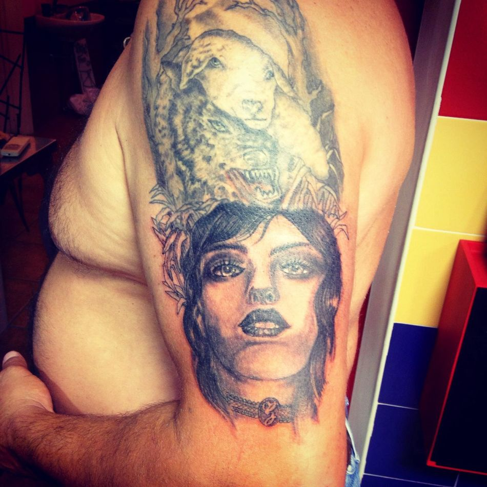 La vera natura della donna Getting Inked No Pain, No Gain Tattoo Inked