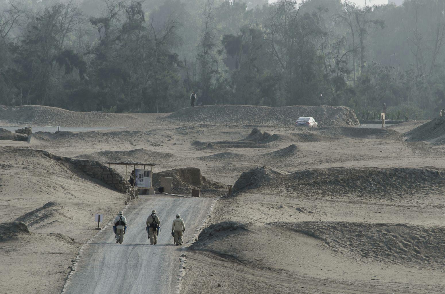 Peru Lima-Perú Lima Pachacamac Sandy Sand Desert Archaeology Archaeological Hardwork Remote Outdoors On The Road