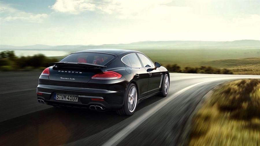 A new Porsche panamera turbo S 2014 ?