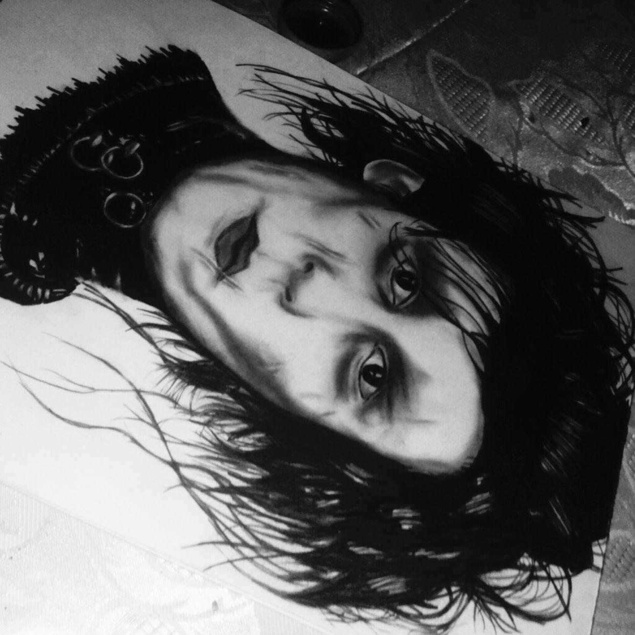 Dibujo A Lapiz Esquizofrenia Follow4follow Depressive Dibujando Followback Ojos Bonitos  Antiguo Followme Dibujotime Dibujoartistico ElDibujante Carboncillo Tristeza Artist Happiness Darwing Negro Hombre Manos De Tijera Brad Pitt Johnny Depp Desnudoartistico Anime Art Cuadros