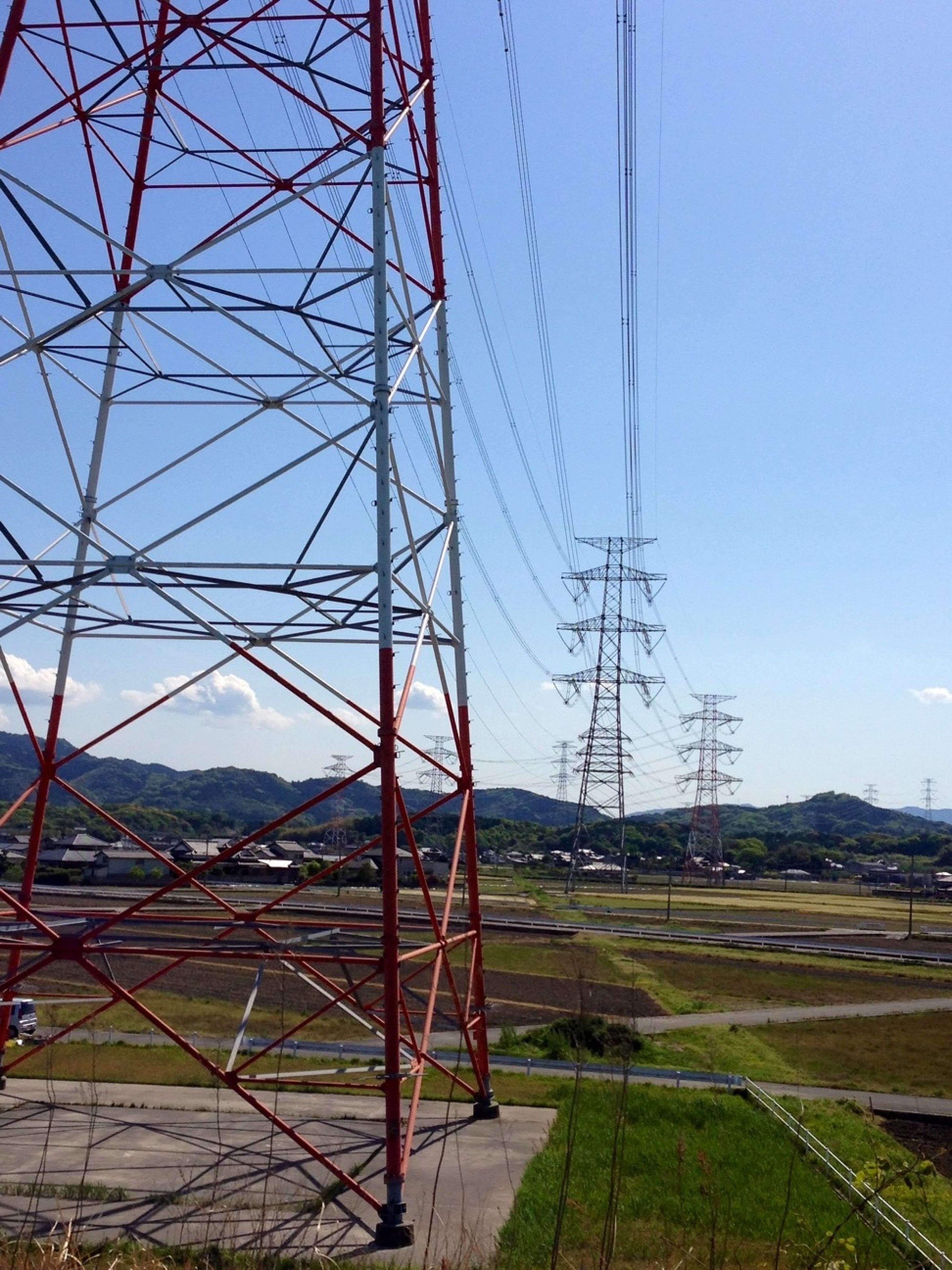Power Lines 電信柱