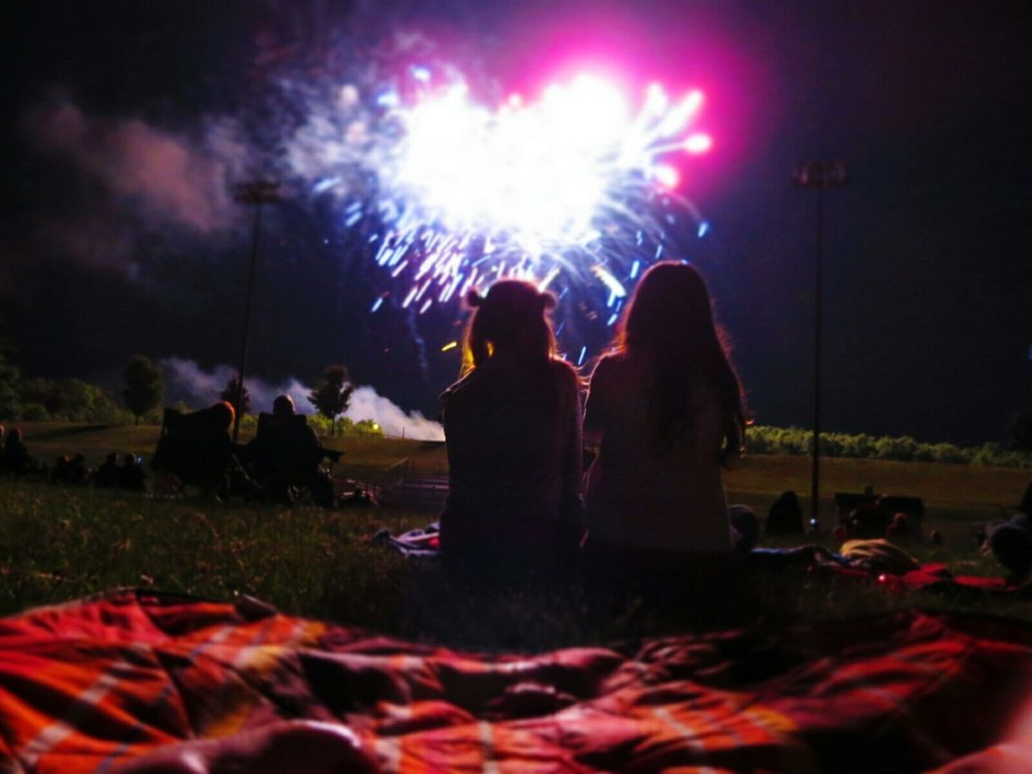 💖 Summer💜 Friendship 💖 People Watching Colors Silhouette Fireworks Holidays Celebrating Summer Views What I Value The Essence Of Summer