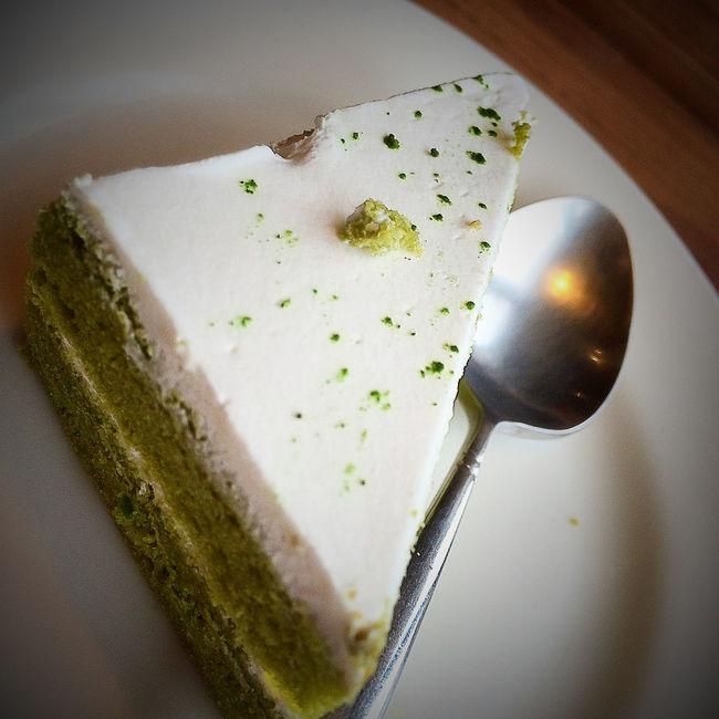 甜食。大人、小孩都喜歡甜甜蜜蜜的蛋糕,有了過年的氛圍。與Macie お菓子。大人と子供が中国の旧正月の雰囲気で、甘い甘い蜂蜜のケーキのようなものです。そして、Macie