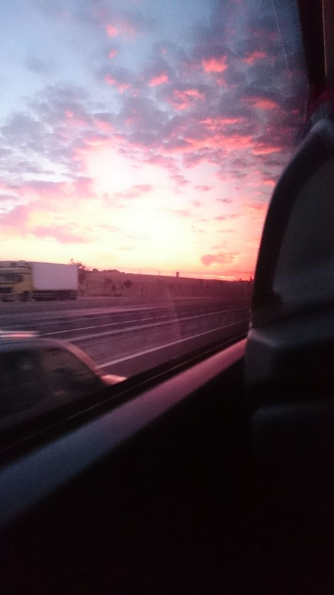 Sık sık seyahat etmek istiyorum derken bunu kastetmemiştim.. Cloud - Sky Morning Ontheroad Onthemoveagain Ankara Nofilter
