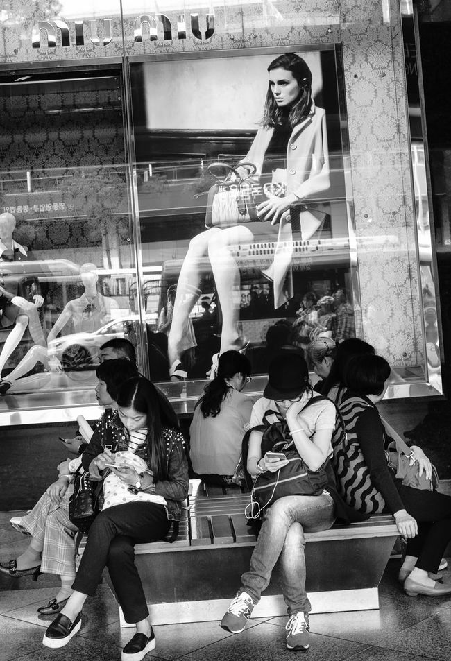 Streets Of Seoul Urban Lifestyle Before Mers The Fashionist - 2015 EyeEm Awards The Photojournalist - 2015 EyeEm Awards Fashion Forever My Smartphone Life People With Smartphones The Traveler - 2015 EyeEm Awards The Portraitist - 2015 EyeEm Awards