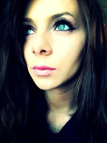 Beauty Beautiful Woman Portrait Long Hair Make-up Young Adult Headshot Close-up Young Women Eyes Eyeschangecolors Eyebluegreen